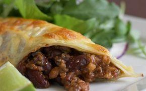 Enchiladaer med mole poblano Pandekager til aftensmad er altid et hit - her er nogle med lidt mere bid og fyld i - tror også at de kan blive til favoritter.