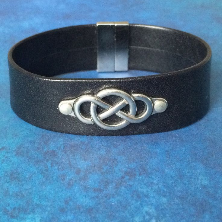 New in my shop - 20mm leather Celtic knot cuff bracelet. When ordering with a matching day collar / choker necklace, contact me first for special package pricing!