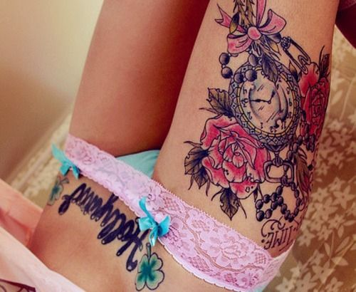 I like the clock on the thigh part