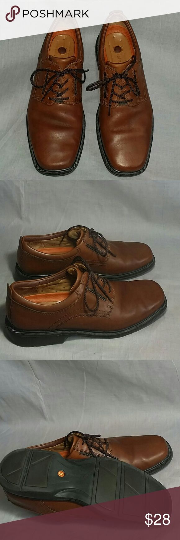 Men's Clarks STRUCTURED Shoes Brown 9 M Leather Item is in a good condition, NO PETS AND SMOKE FREE HOME. Clarks  Shoes