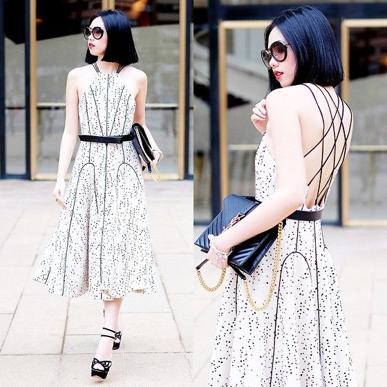 Olivia Lazuardy - Low Back Dress