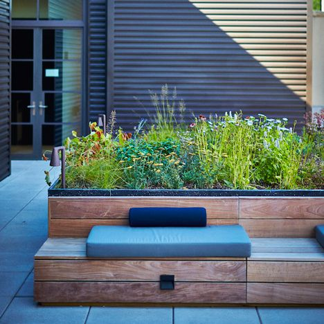 Dutch garden designer Piet Oudolf, known for the High Line, has completed a project much smaller in scale: a private terrace for a New York condo building