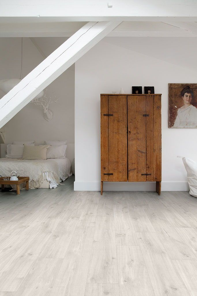 How To Find The Bedroom Flooring Of Your Dreams Vinyl Flooring Oak Flooring Bedroom Bedroom Flooring