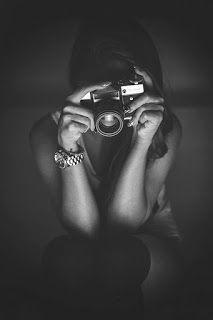 Hard About What Hurts * - Η φωτογράφος #ελληνικό_μπλογκ #μπλογκ_ανάρτηση #η_φωτογράφος #σκέψεις #συναισθήματα #φωτογραφία #μίνι_ιστορίες