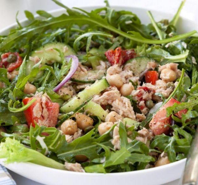Recept Cizrnový salát s tuňákem