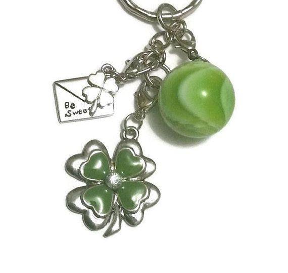 SHAMROCK 4 Leaf Lucky Charms Clover Keychain St Patricks KeyRing Irish Bag Purse Stitch Marker Vintage Handmade Jewelry Good Luck Key Chain