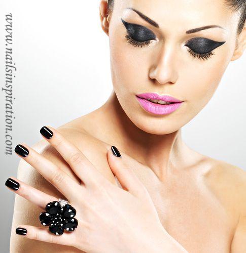 Nails Inspiration | Black Nails | http://www.nailsinspiration.com
