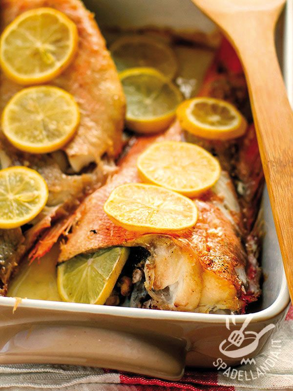Le Gallinelle di mare farcite al forno, con un ripieno a base di erbette aromatiche, portano in tavola il profumo del Mediterraneo, e non appesantiscono!