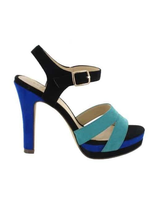 Menbur/ #shoes #wedding #boda #fashion #bride #highheels #color #metalic #bridal #zapatos #tacones #complementosdenovia #weddingday #noviasconestilo #novia