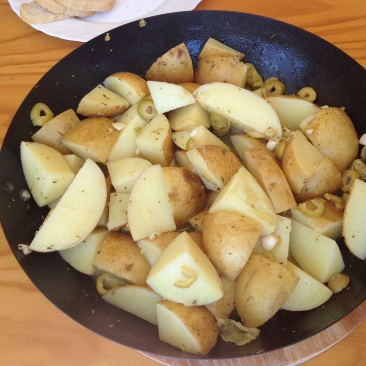 Жареный картофель с оливками и лимоном по‑мароккански