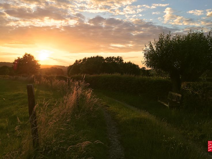 wandelingetje vanuit de Mechelerhof, bij zonsondergang... #Zuid-Limburg #vakantie #eropuit #Limburg #lekkerweg #Dutch #wandelen #fietsen #bourgondisch