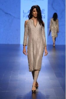 Payal Singhal Indian Wear Collection : ZARIN