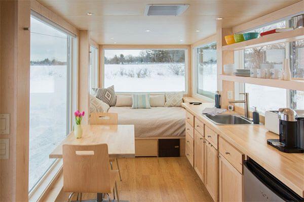 『Escape Vista 』 は、アメリカ・ウィスコンシン州のESCAPE Homesが手がけた、モダンでシンプルなトレーラーハウスです。 ESCAPE Homeは、快適なデザインと職人の手仕事をポリシーに、 …