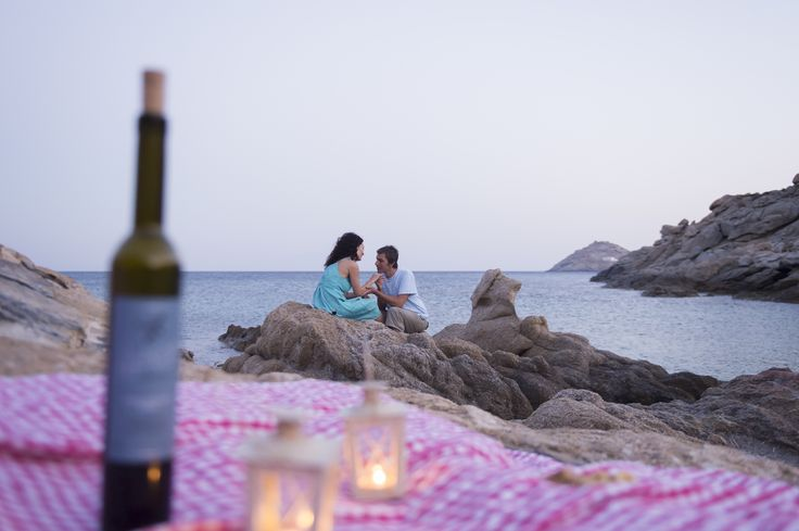 Wedding proposal or romantic evening by the beach with wine, combined with a leisurely bike ride?  Everything is possible with Yummy Pedals tours at Mykonos
