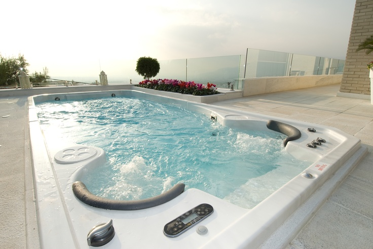 An amazing private spa with breathtaking views from a rooftop in the city of Athens