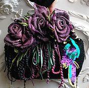 Купить или заказать Валяная сумочка Фиолетовые розы в интернет-магазине на Ярмарке Мастеров. Красивая валяная черная сумочка с фиолетовыми розами-брошами и лентами в этих оттенках,но можно носить и без лент.Розы можно прикалывать на сумочке в разные места или украшать любую,другую Вашу одежду.Фермуар,цепочка. Сумочку можно носить в любое время года,с чем угодно под настроение. Сумочка,как на фото продана,но есть повтор чуть побольше www.livemaster.