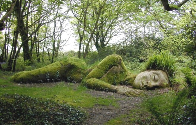 The MudMaiden of the Lost Garden of Heligen  (rediscovered on the FB page of Old Moss Woman's Secret Garden)