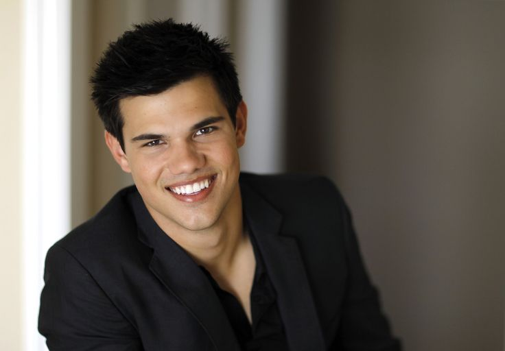 taylor lautner image for desktops by Edita Edwards (2016-11-16)