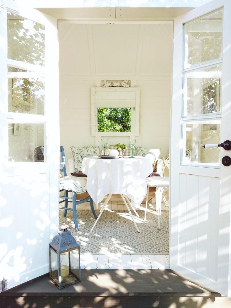Englisches Teehäuschen/ Gardenhouse