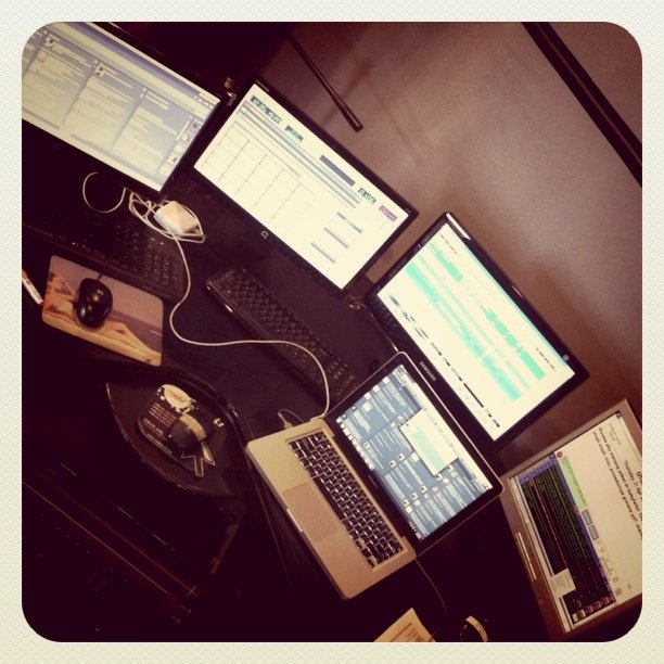 @jengnad | my workdesk!! can u handle these babies?! :)) | Webstagram - the best Instagram viewer