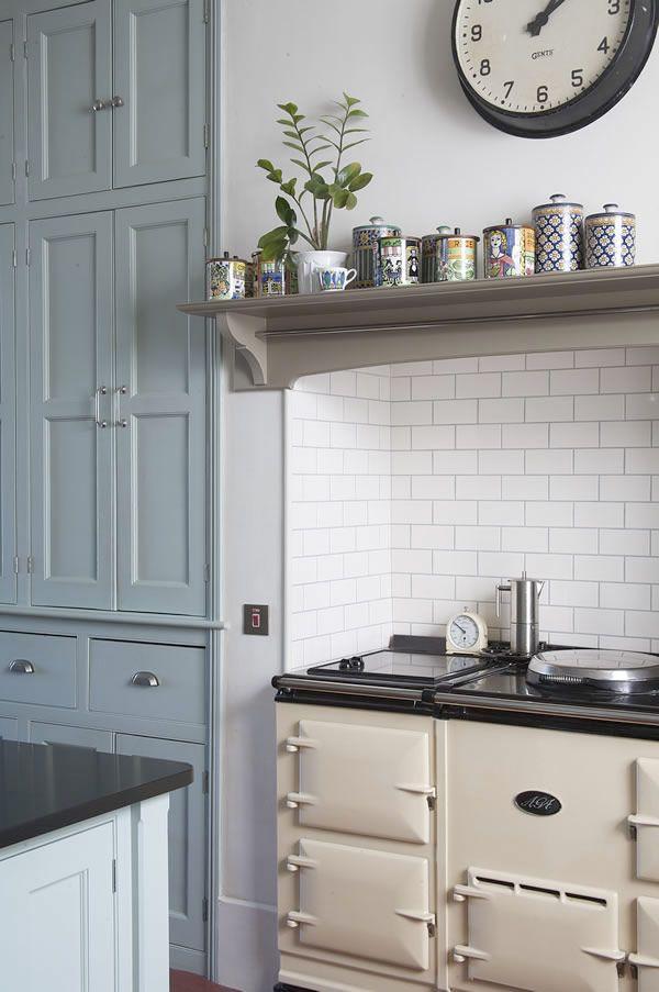 Ett kök i sekelskiftesstil skulle kunna sammanfattas som rustikt, elegant lantligt. Planerar du ett kök i sekelskiftesstil? Här har vi samlat några inspirationsbilder från olika sekelskifteskök.