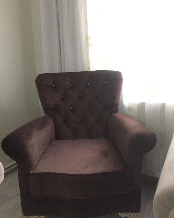 #berjer #oturmagrubu #çekyat #yatakbaşlığı #puf #kapitone #kişiyeözel #furniture #bed #bedroom #köşekoltuğu #chester #josephine #çaybahçesi #çayseti #miniberjer #nargilecafe #sandalye #türkübar #tabure http://misstagram.com/ipost/1564471986134312739/?code=BW2HvuClecj