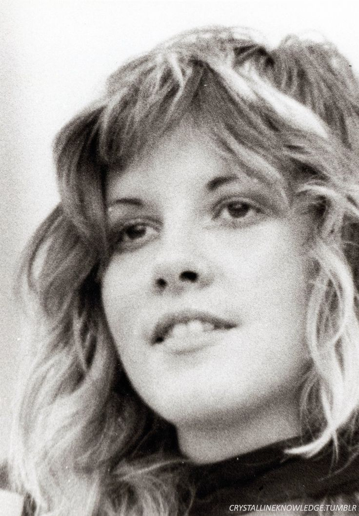 "youthful Stevie    ~ ☆♥❤♥☆     ""She was either gonna be a super star or nobody. There was no in between for her."" ~ Keith Olsen"