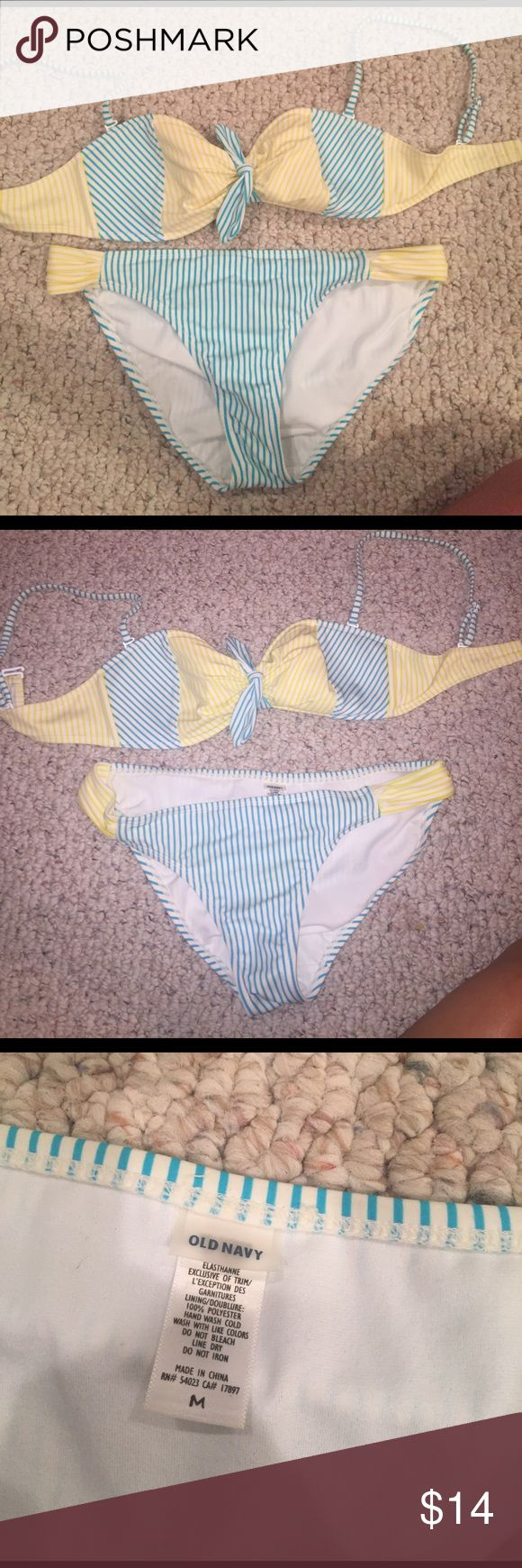Old navy bandeau bikini bathing suit Good condition. Both top and bottom fit medium, top is actually size small Old Navy Swim Bikinis