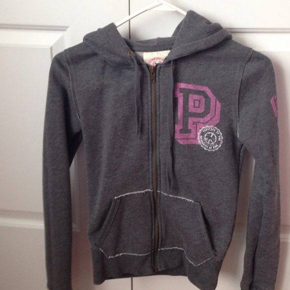 PINK zip up hoodie SALE This zip up is just so adorable. Great condition. No trades or pp. PINK Victoria's Secret Sweaters