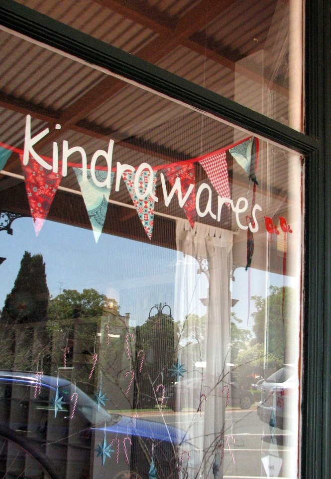 The first article about our little shop Kindrawares in Cowabbie Street, Coolamon.  Opened November 2012.  Like us on Facebook and you'll be able to keep up with shop happenings and our stock that changes very quickly.