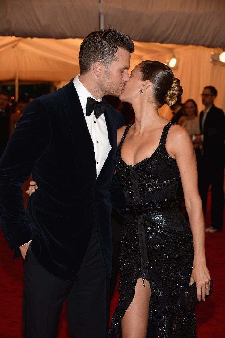 Pin for Later: 33 Memorable PDA Moments From Met Galas Past Tom Brady and Gisele Bündchen, 2012