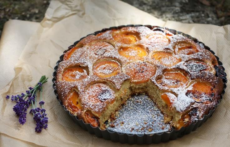 Lavender-apricot pie