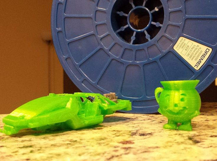 Since it's the only filament I can find locally at stores I tried out the Dremel PLA filament on my m3d printer. So far I've gone through 1/4 a spool and it works okay with the factory m3d PLA settings. #m3d #3dprint  #3dprinting  #dremel #pla #GrassGreen #1.75mm by electricoverload