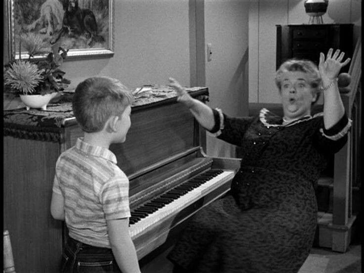 Aunt bee ~ aunt bee's medicine man~ the Andy Griffith show