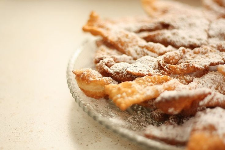 Chiacchiere (Venetian fried pastries)