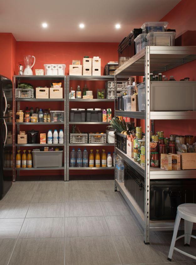 Reorganisez Les Rangements Dans Votre Cellier Votre Garage Ou Votre Cave Avec Ces Etageres En Acier Galvanise Et Pla Rangement Cellier Cellier Rangement Cave