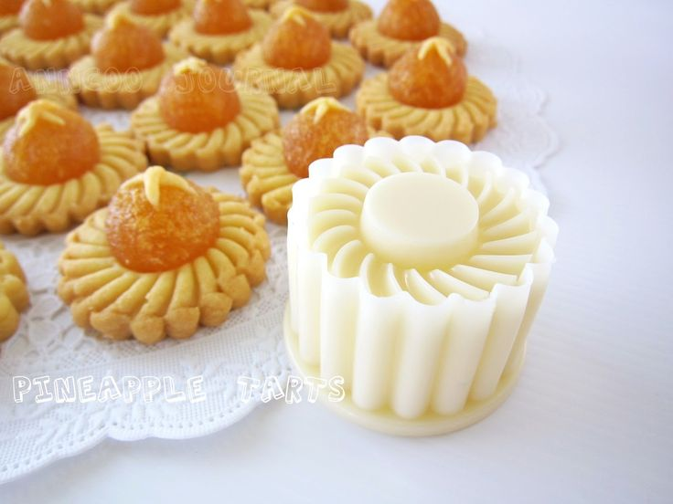 """Pineapple Tarts is one of the highlight """"Festive Cookie"""" of Chinese New Year and it is a must to consume during this season ..."""