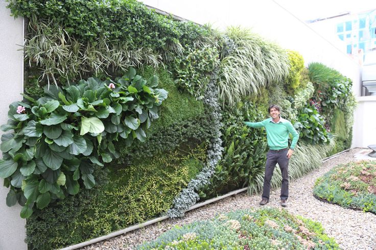 Jardines verticales realizados por los alumnos de for Jardines verticales casa