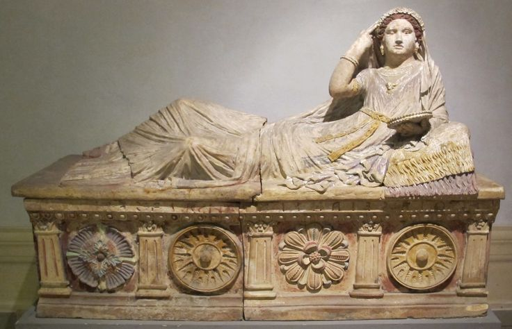 Sarcofago di Larthia Seianti; opera etrusca; 150-130 a.C. ca; Sarcofago da Chiusi; Museo Archeologico Nazionale di Firenze.
