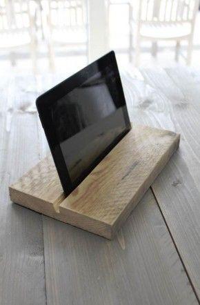 Steigerhouten Tablet houder.
