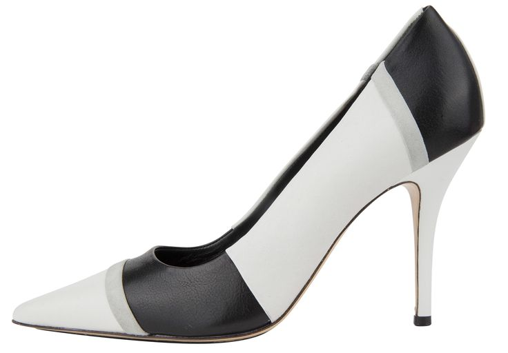 #Högh high heels to complete your elegant look I Trend Black&White #DesignerOutletParndorf