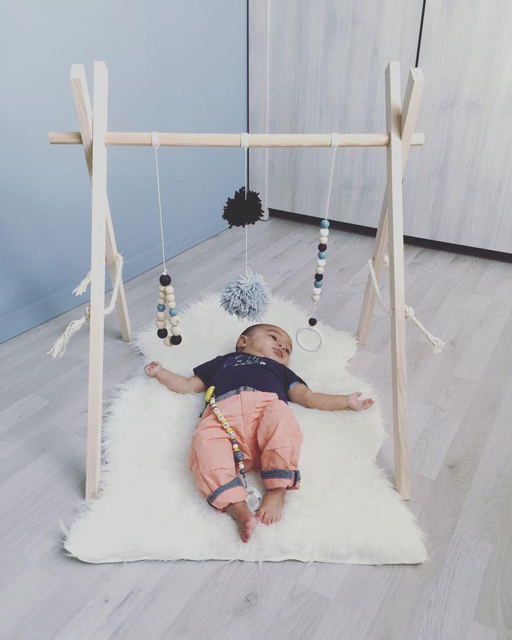 Joli portique d'éveil en bois personnalisable : Jeux, peluches, doudous par mapetitecabane