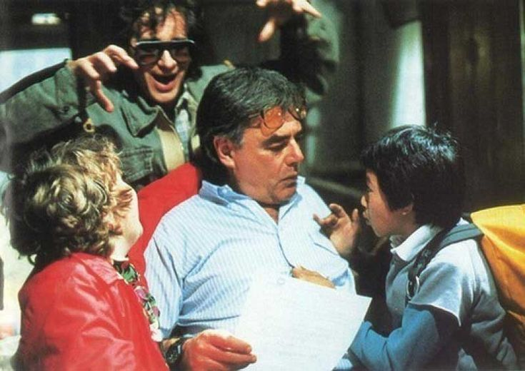 Steven Spielberg, Jeff Cohen, Richard Donner and Jonathan Ke Quan | Rare and beautiful celebrity photos