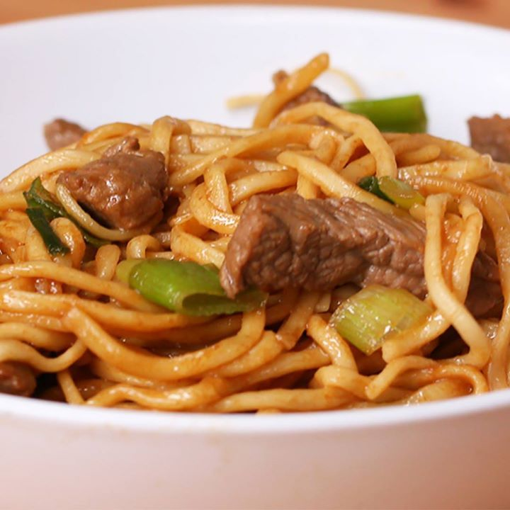 Original Recipe Easy Beef And Garlic Noodles (via Proper Tasty)Easy Beef And Garlic Noodles