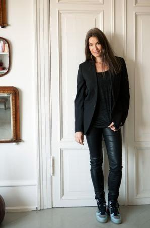 Susanne Rützou giving style tips in Danish magazine   Alt for Damerne