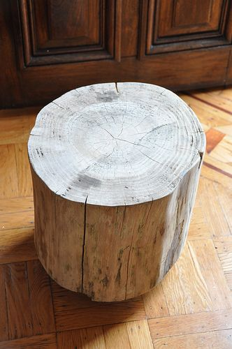 How to make a stump side table