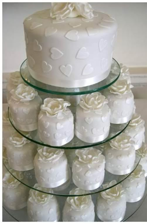 how to make small individual wedding cakes 17 best images about mini wedding cakes on 15994