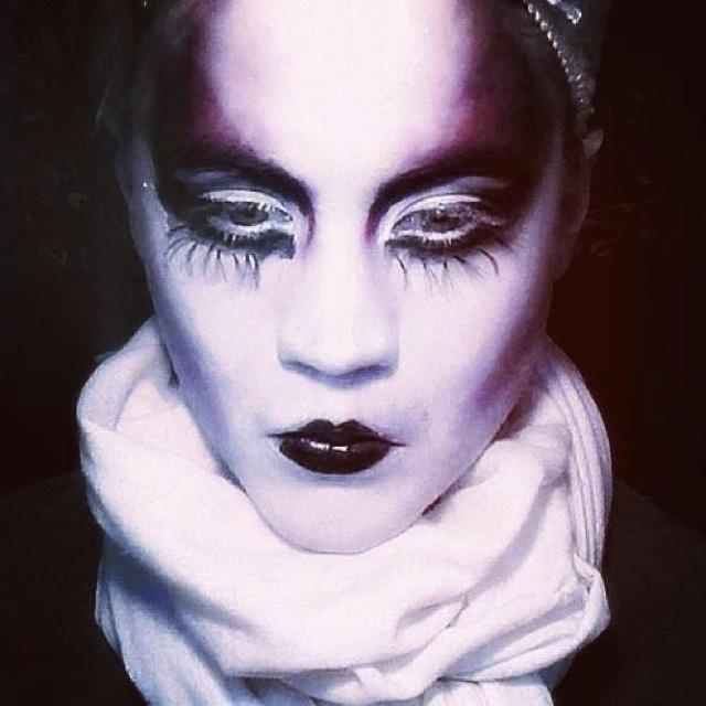 Dark Gothic Geisha Dramatic Makeup#halloween @lisakellyswim | hair ...