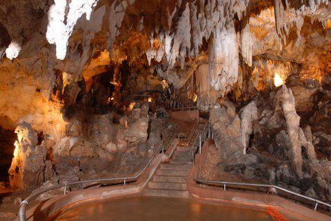 Dominican republic, san pedro de macoris - cueva de las maravillas (paraiso subterraneo)