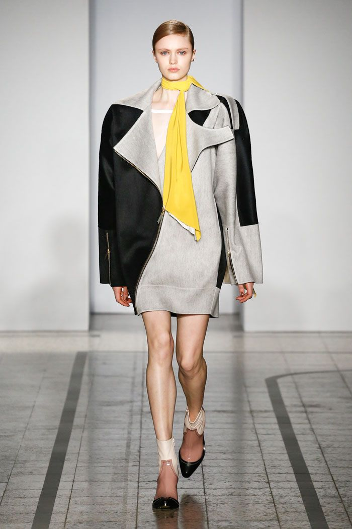 Mila Schön - look 28 MILA – Oversized biker jacket in wool cashmere with double workings and macro gold-plated zips.